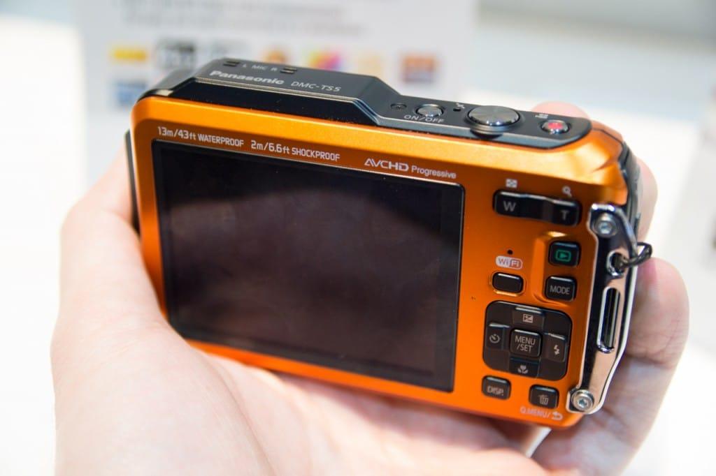 Panasonic Lumix DMC-FT5 kopen knoppen & scherm Review